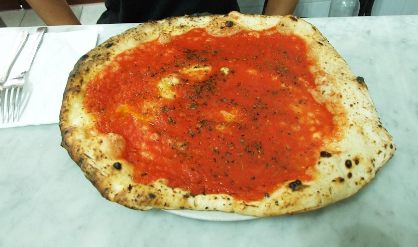 Najlepsza pizza w Neapolu - marinera