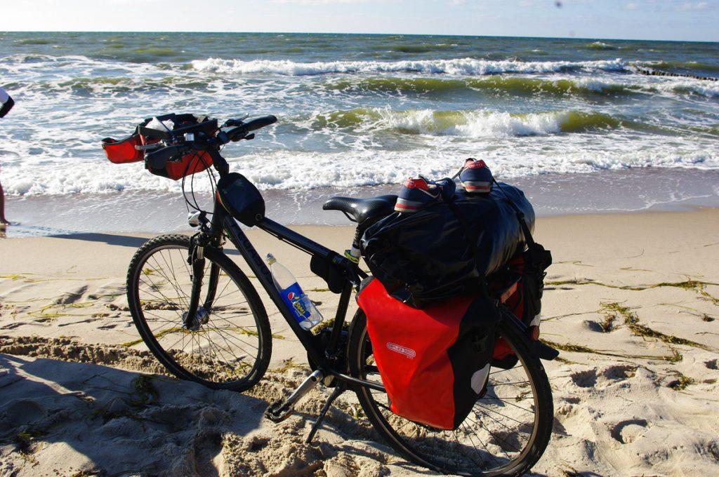 Jak spakować namiot na rower