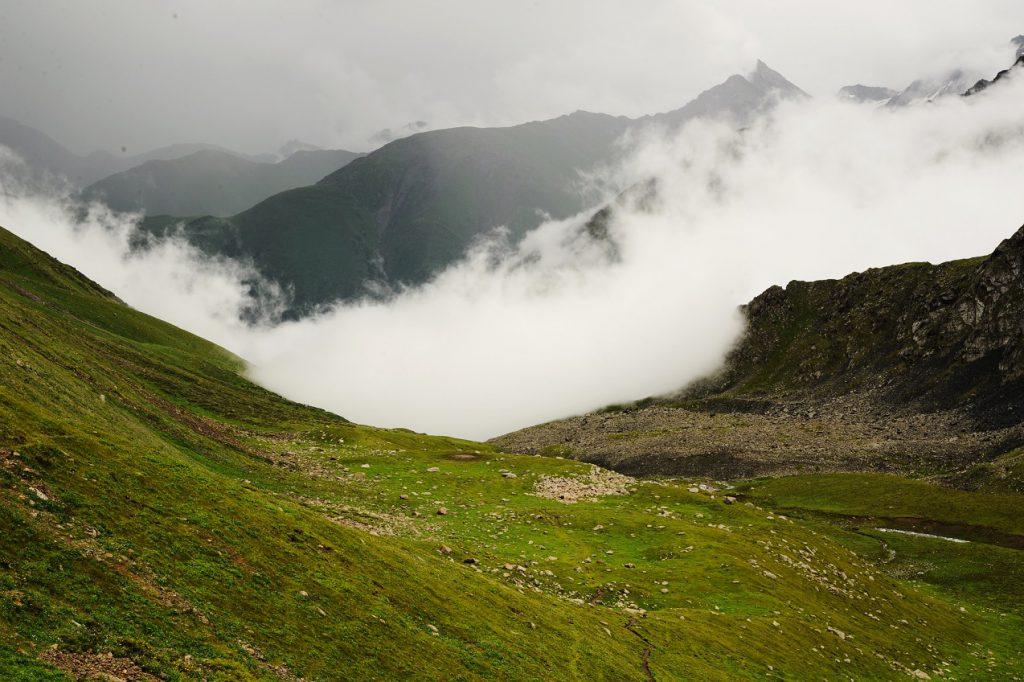 Trekking Ala-Kul